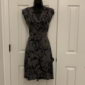 Gap Floral wrap dress size small